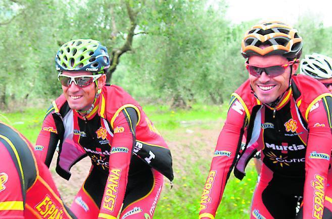 Alejandro Valverde (33) y <HIT>Samuel</HIT><HIT>Sánchez</HIT> (35), ayer