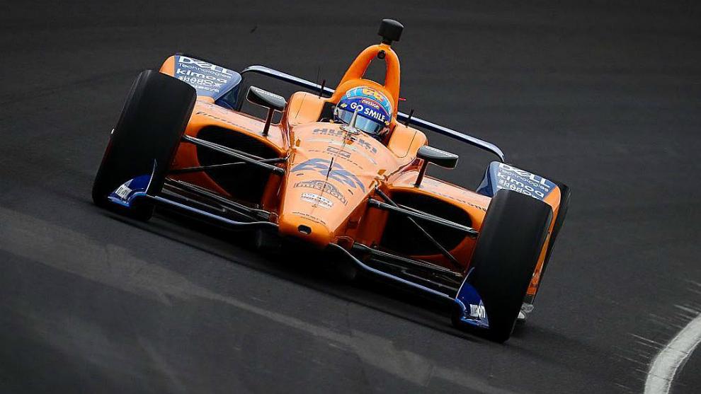 Fernando Alonso estrelló su vehículo en Indianápolis