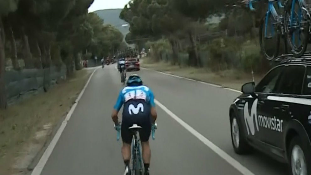 Carapaz sufre problema mecánico en el Giro de Italia