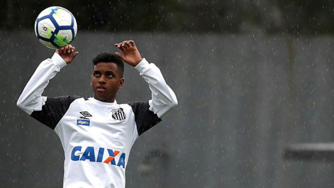 Rodrygo during training with Santos.