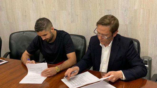 Saeid Barkhordari firma su contrato con el Guadalajara /