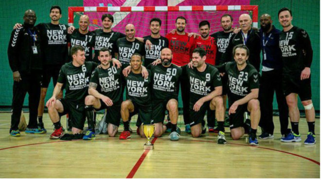 La plantilla del New York City Handball Club celebra el título /