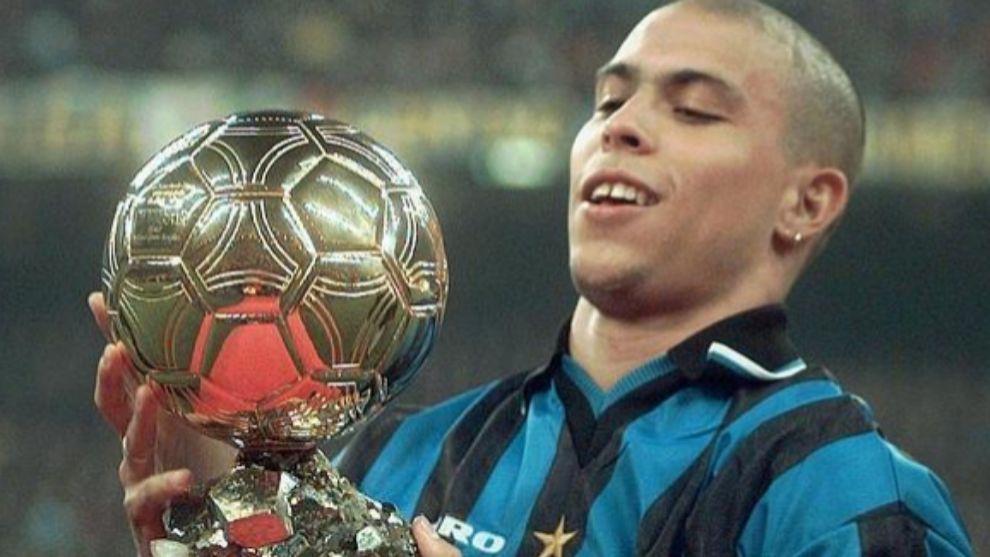 Agüero cree que Messi no debería ganar el Balón de Oro