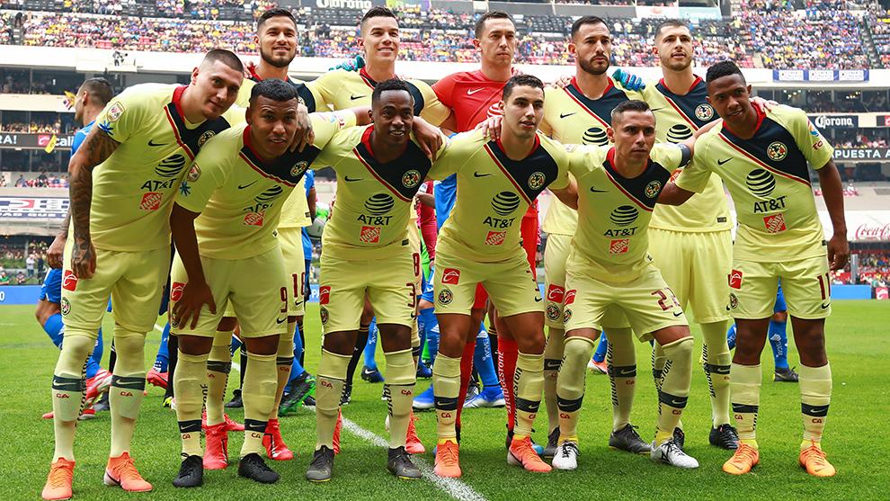 Foto oficial del América previo al partido de vuelta de cuartos ante...