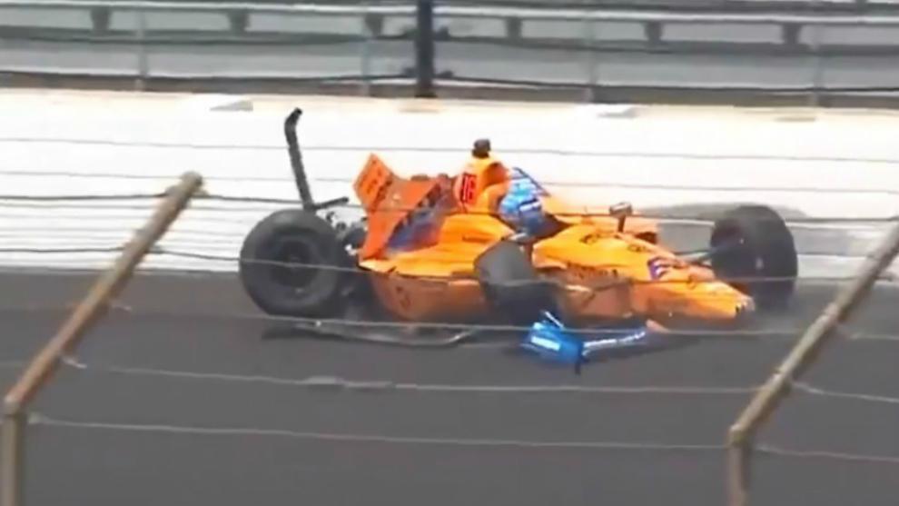 Alonso, en el momento del accidente en el Libre 2 de las 500 Millas.
