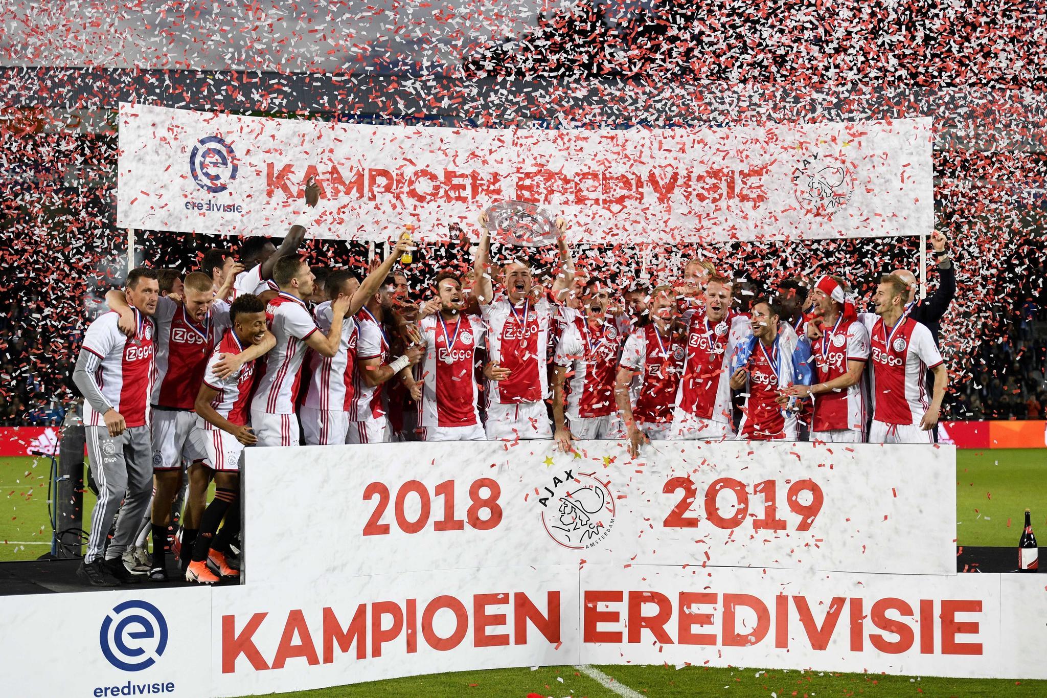 73475229. DOETINCHEM (HOLANDA), 15/05/2019.- Jugadores de <HIT>Ajax</HIT> Amsterdam celebran su victoria el Eredivisie holandés tras el juego entre De Graafschap Doetinchem y <HIT>Ajax</HIT> Amsterdam, en Doetinchem, Holanda, 15 de mayo de 2019. EFE / OLAF KRAAK