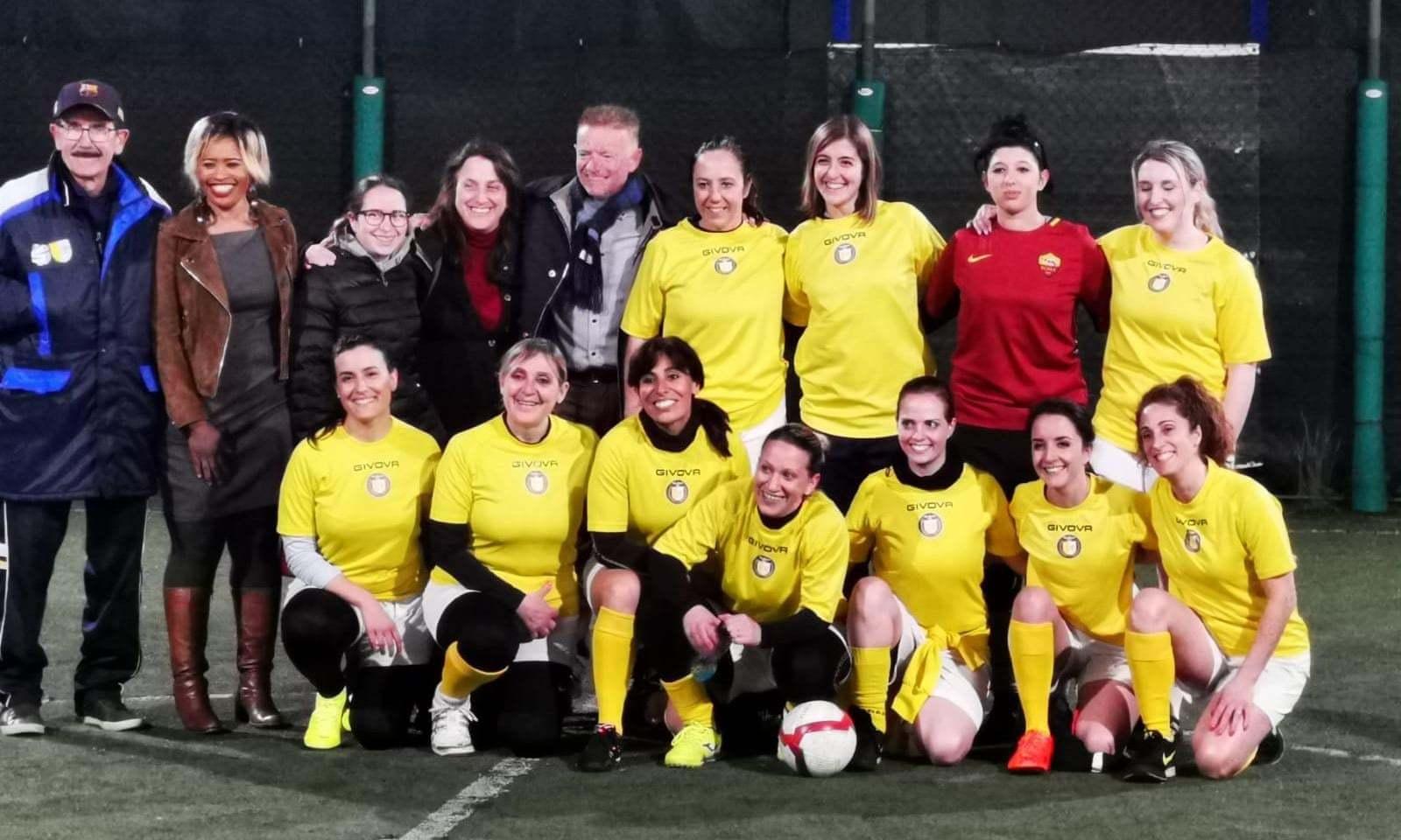 Primer equipo de fútbol femenino del Vaticano