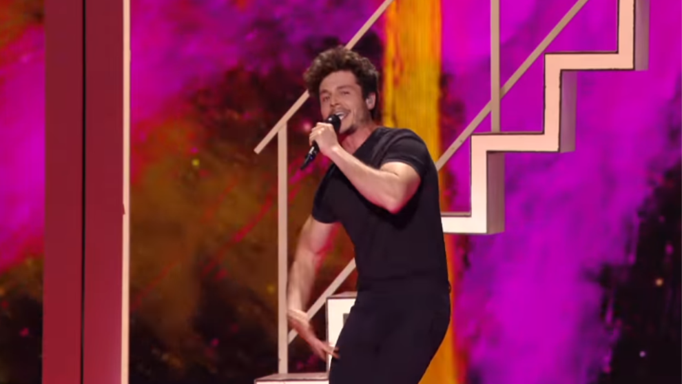 Miki catando 'La Venda', la canción que representa a España en...