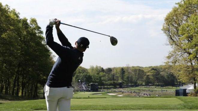 Sergio García juega el driver en la primera jornada del PGA.