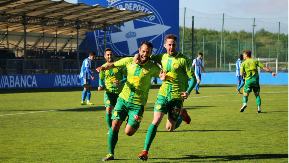 Portilla celebra el gol que le marcó al Deportivo Fabril.