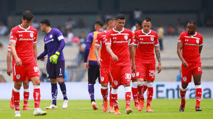 Los jugadores del Toluca en lamento