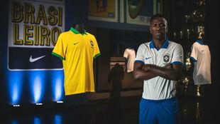 Vinícius fue imagen de la nueva camiseta de Brasil