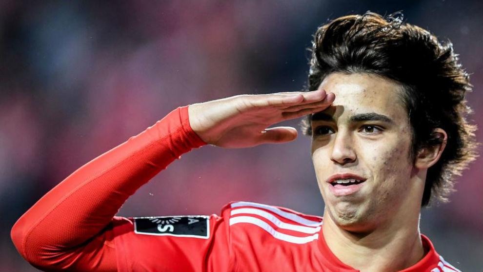 Joao Félix celebra un gol del Benfica.