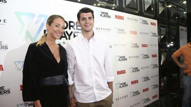 Morata y su mujer Alice Campello en la presentación de More than...