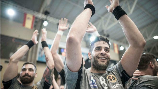 David Mendoza celebra una victoria con el Ciudad Encantada /