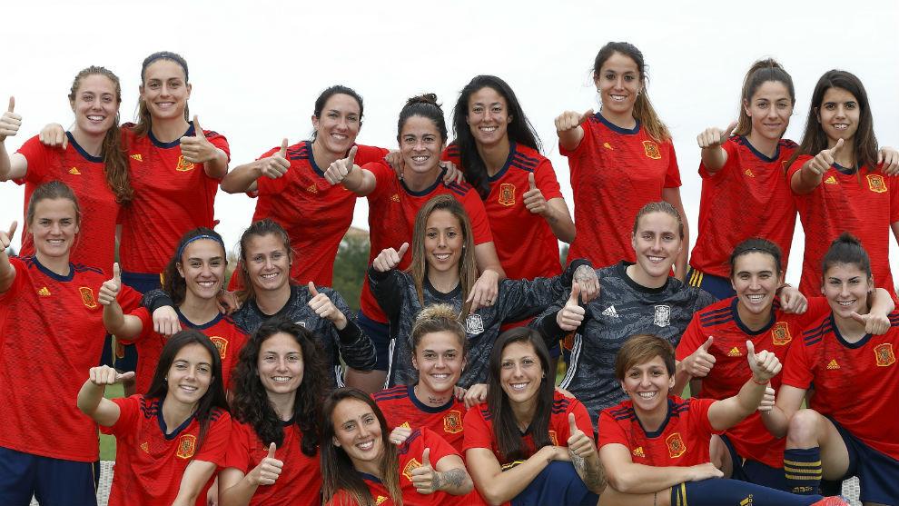 Presentación de la camiseta mundialista de España.