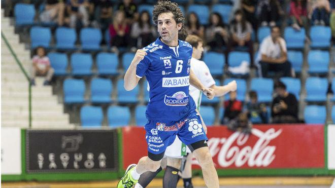 Juanín García celebra un gol con el Ademar León /