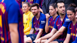 Foto conjunta de los equipos masculino y femenino del Barcelona.