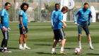 Benzema, Modric, Vinícius, Marcelo y Keylor en el entreno de esta...