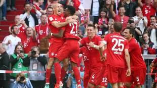 Robben anotó el quinto tanto en su despedida