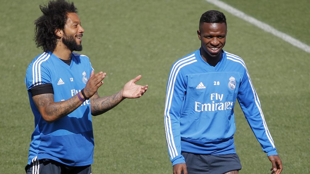 Marcelo y Vinícius, en el entrenamiento de ayer en Valdebebas.