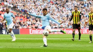 Silva marca el 1-0 ante el Watford.