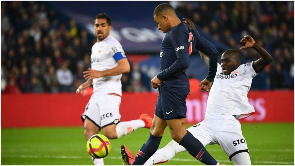 PSG confirmó la continuidad de Mbappé para la próxima temporada