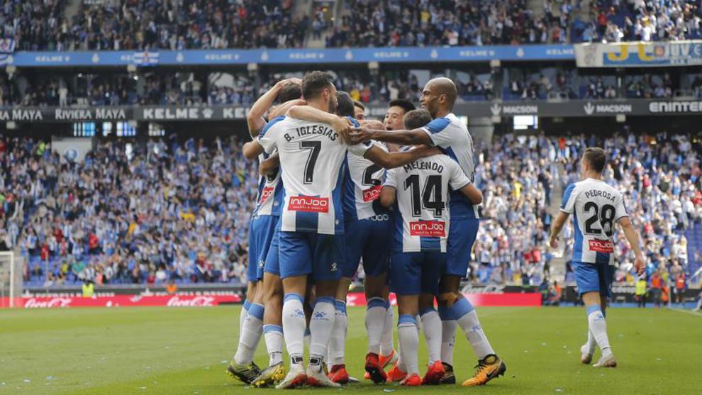 Los futbolistas del Espanyol, ayer en el RCDE Stadium.