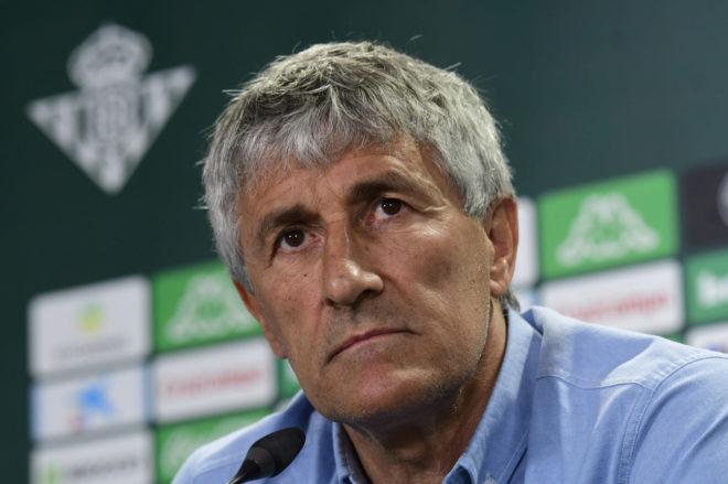 Quique Setién in a press conference