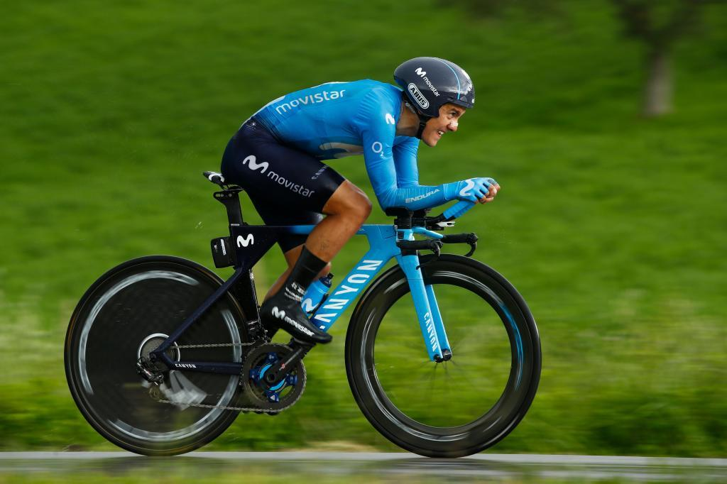 Team Movistar rider Ecuadors Richard <HIT>Carapaz</HIT> takes part in stage nine of the 102nd Giro dItalia - Tour of Italy - cycle race, a 34,8 km time-trial from Riccione to San Marino on May 19, 2019. (Photo by Luk BENIES / AFP)