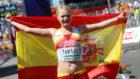 Julia Takacs, con la bandera de España, en imagen de archivo