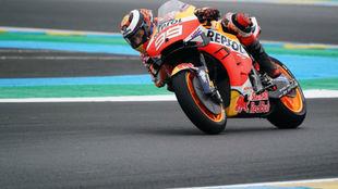 Lorenzo, durante la carrera de ayer en Le Mans.
