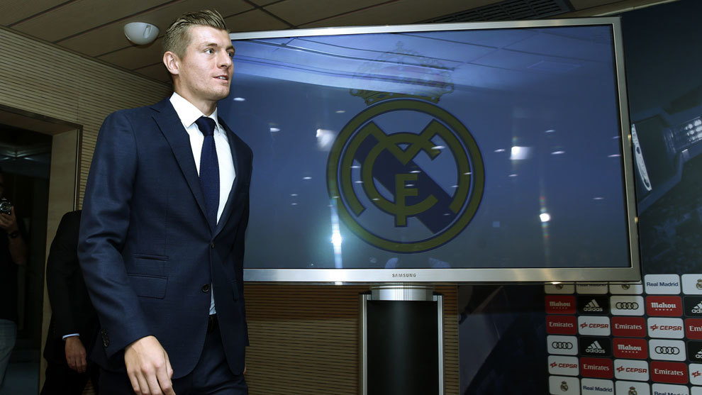 Real Madrid midfielder Toni Kroos agrees contract extension until 2023