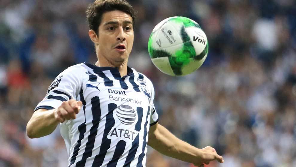 Stefan Medina durante un partido con Monterrey.