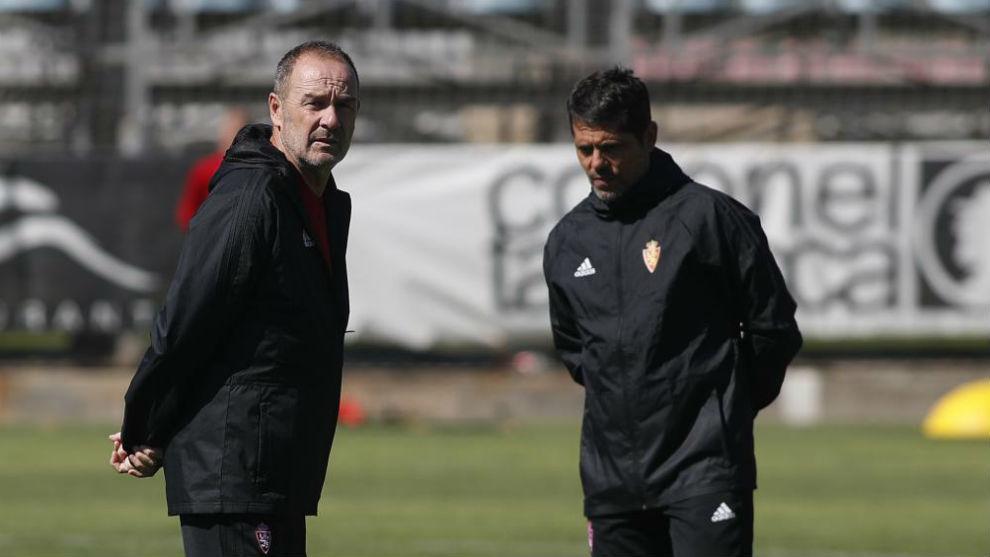 Víctor Fernández junto a Loreto durante un entrenamiento.