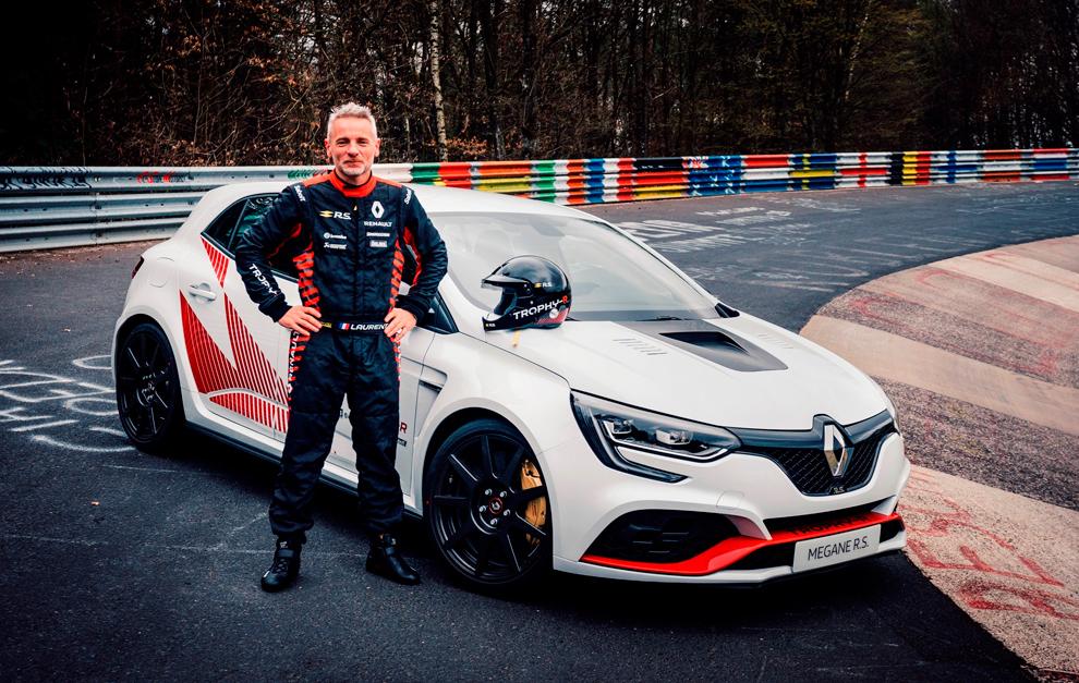 Laurent Hurgon fue el encargado de pilotar el Megane R.S. Trophy-R del...