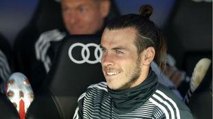 Bale, sonriente en el banquillo en el último partido de Liga ante el...