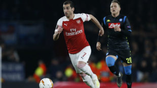 Mkhitaryan, en el partido del Arsenal ante el Nápoles.