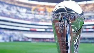 Trofeo de la Liga MX previo a la final del Apertura 2018.