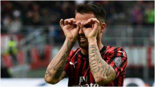 Suso celebra su golazo de falta contra el Parma.