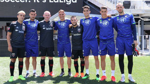 Rooney, con los jugadores del Betis