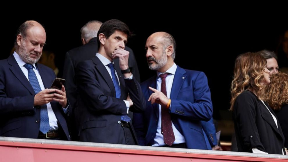Elizegi con Fernández de Trocóniz, presidente del Alavés, en San...