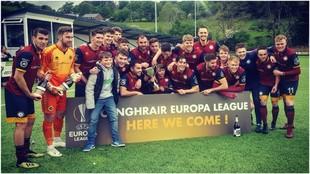 Los jugadores del Cardiff Met University celebran su pase a la Europa...
