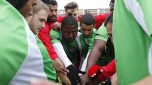 Los jugadores del Alma de África, antes de un partido.