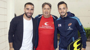 Dani Carvajal, con Ángel Martín y Pablo Sarabia durante el torneo...