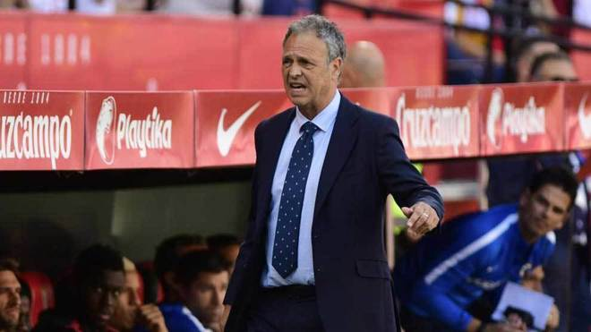 Joaquín Caparrós deja de ser entrenador del Sevilla