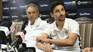 Caparrós y Jesús Navas, en sala de prensa.