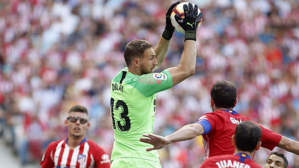 Jan Oblak in action for Atletico Madrid.