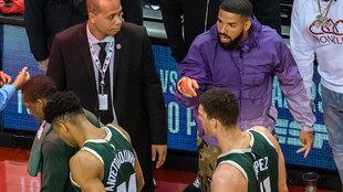 Drake señala a Antetokounmpo tras el tercer partido de la final del...