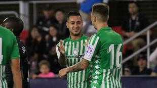 Sergio León y Loren, celebrando un gol